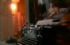 Полностью голая Неле Савиченко в фильме «На исходе ночи» фото #20