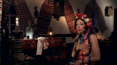 Оксана Борбат оголила грудь и попу в фильме «Хуторские страсти» фото #6