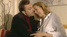 Оксана Мысина засветила сиськи в сериале «Семейные тайны» фото #7