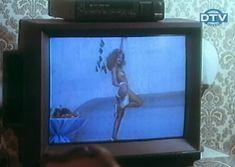 Ольга Дроздова показала голую грудь в фильме «Веселенькая поездка» фото #2