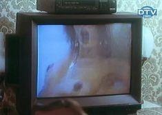 Ольга Дроздова показала голую грудь в фильме «Веселенькая поездка» фото #4
