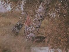 Ольга Кабо показала голые сиськи в фильме «Бегущий по льду» фото #1