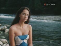 Молодая Ольга Кабо оголила сиськи в сериале «Поражение» фото #1