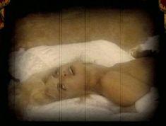 Ольга Родионова снялась голой в фильме «Персики и Перчики. Куртуазные истории» фото #4