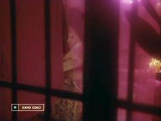 Голая попа Ольги Сумской в фильме «Партитура на могильном камне» фото #5