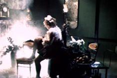 Ольга Толстецкая оголила грудь в фильме «СекСказка» фото #3