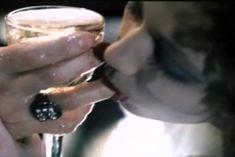 Ольга Толстецкая оголила грудь в фильме «СекСказка» фото #5