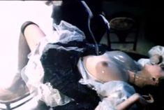 Ольга Толстецкая оголила грудь в фильме «СекСказка» фото #13