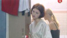 Ольга Чурсина засветила грудь в сериале «Виллисы» фото #2