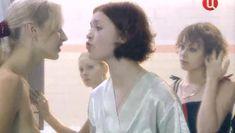 Ольга Чурсина засветила грудь в сериале «Виллисы» фото #3