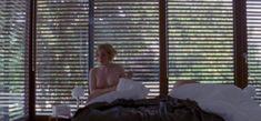 Паула Каленберг показала голую грудь в фильме «Зольтау» фото #1