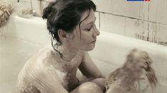Голые сиськи Полины Агуреевой в сериале «Жизнь и судьба» фото #4