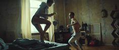 Полина Максимова оголила попу в фильме «Без меня» фото #2