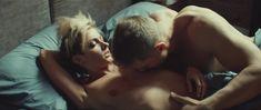 Полина Максимова оголила попу в фильме «Без меня» фото #7