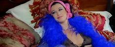 Риа де Симоне оголила грудь и попу в фильме «Учительница естественных наук» фото #1