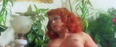 Риа де Симоне оголила грудь и попу в фильме «Учительница естественных наук» фото #6