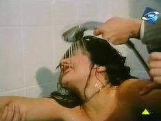 Светлана Прус показала голые сиськи в фильме «Прощание с Каиром» фото #4