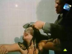 Светлана Прус показала голые сиськи в фильме «Прощание с Каиром» фото #5