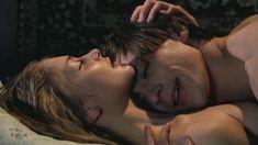 Голая грудь Татьяны Казючиц в сериале «Гадание при свечах» фото #4