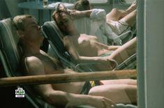 Голая грудь Татьяны Скороходовой в фильме «По прозвищу «Зверь»» фото #3