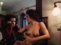 Полность голая Татьяна Титова в фильме «Секрет виноделия» фото #6