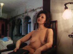 Полность голая Татьяна Титова в фильме «Секрет виноделия» фото #8