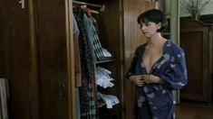 Тереза Бродска показала голую грудь в фильме «Двойная роль» фото #8