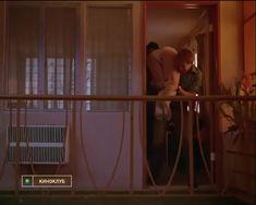 Голая грудь Тери Гарр в фильме «От всего сердца» фото #11