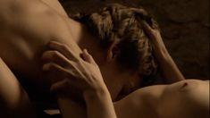 Хеле Кыре оголила грудь и попу в фильме «Я был здесь» фото #6