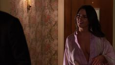 Красотка Эддисон Тимлин оголила грудь и попу в сериале «Блудливая Калифорния» фото #1