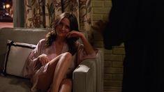 Красотка Эддисон Тимлин оголила грудь и попу в сериале «Блудливая Калифорния» фото #5