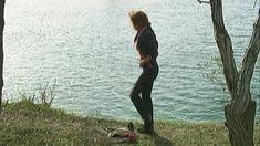 Эльвира Болгова оголила грудь и попу в сериале «Близнецы» фото #20