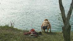 Эльвира Болгова оголила грудь и попу в сериале «Близнецы» фото #22