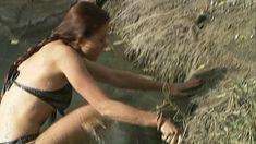 Эльвира Болгова оголила грудь и попу в сериале «Близнецы» фото #25