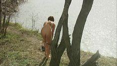 Эльвира Болгова оголила грудь и попу в сериале «Близнецы» фото #29