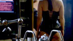 Джина Карано в корсете в сериале «Почти человек» фото #1