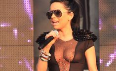 Певица Инна засветила соски на Summer Festival 2010 фото #3