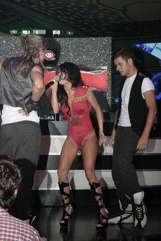 Певица Инна без лифчика на сцене фото #5