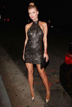 Джоанна Крупа в миниатюрном платье фото #3