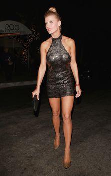 Джоанна Крупа в миниатюрном платье фото #8