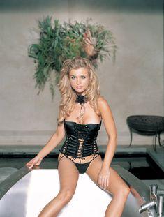 Джоанна Крупа в соблазнительном белье фото #6