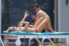 Джоанна Крупа купается без купальника фото #11