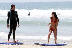 Майлин Класс в красном бикини учится серфингу фото #13