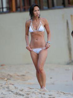 Майлин Класс в мокром купальнике в Таиланде фото #4