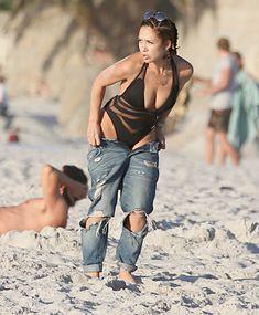 Соблазнительная Майлин Класс купается в Кейптауне фото #5