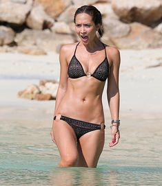 Сексуальная красотка Майлин Класс на пляже в Таиланде фото #14