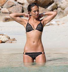 Сексуальная красотка Майлин Класс на пляже в Таиланде фото #16