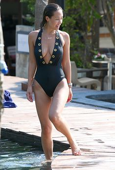 Сочный бюст Майлин Класс в бассейне Тайланда фото #10