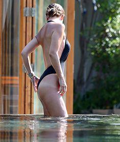 Сочный бюст Майлин Класс в бассейне Тайланда фото #31