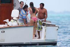Майлин Класс в бикини на яхте в Канкуне фото #10